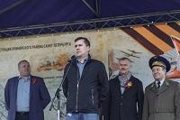 Школьники и ветераны посадили Аллею Победы в Приморском районе